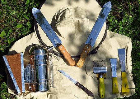 Инструменты пасечника