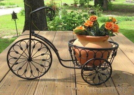 Вулична підставка для квітів