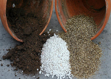 Органичні та мінеральні добавки в грунт